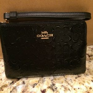 NWT, Coach Wristlet, Black Patent Leather
